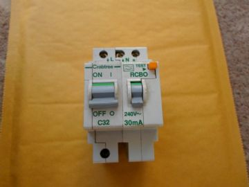 CRABTREE POLESTAR C32 32 AMP (OR TYPE 3) 30mA 602C/323 RCBO CIRCUIT BREAKER